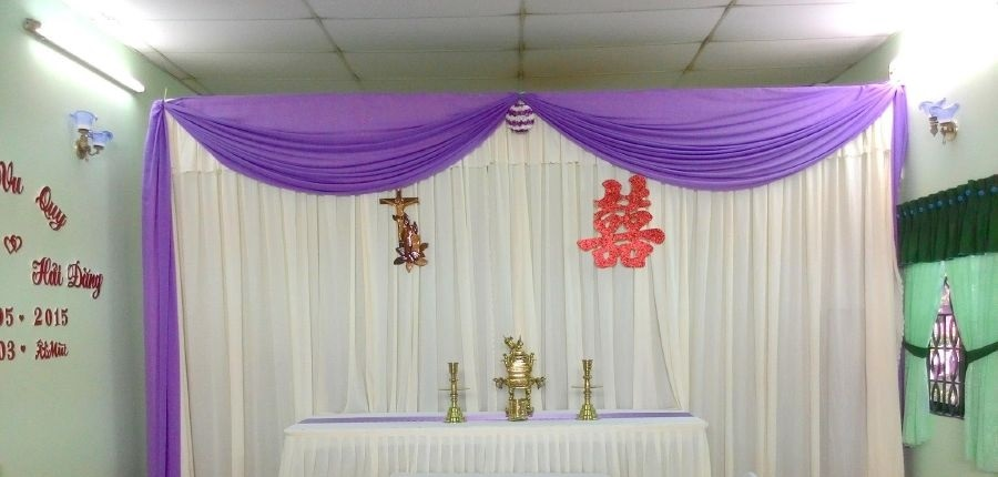May khăn trải bàn nhà hàng tiệc cưới